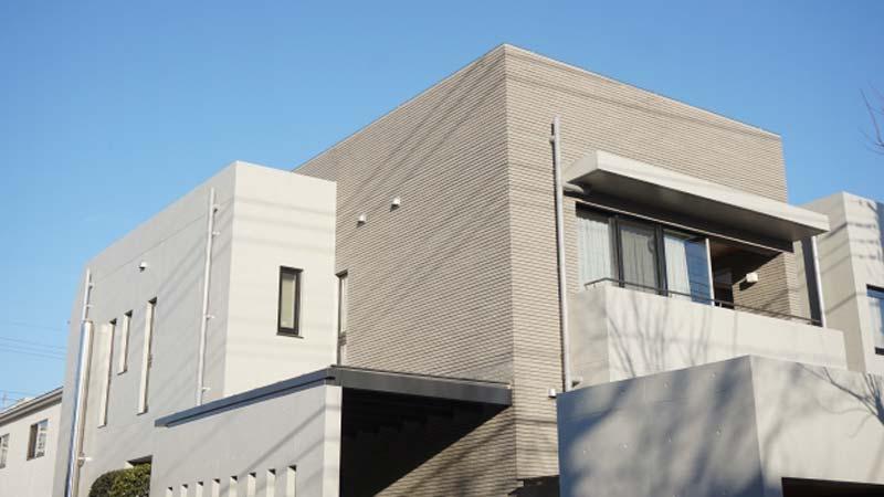 【一条工務店編】一条工務店で建てた家の外壁塗装は、一条工務店に頼むべきか?