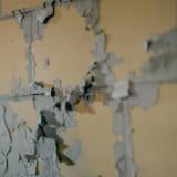我が家の外壁の塗装が剥がれてきた!外壁塗装による塗膜の剥がれの原因とは?