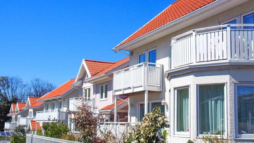 スウェーデンハウスを建てた業者に塗装は頼むべきか?