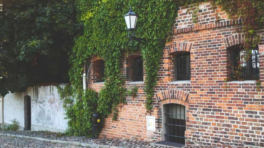 我が家のレンガは外壁塗装すべきか?レンガ調のサイディングの方も必見