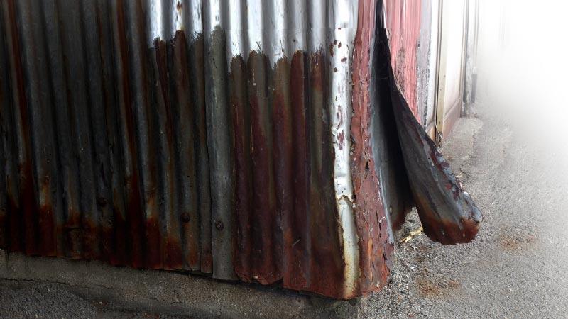 古いトタン外壁の張り替え費用は?外壁塗装よりも「張り替え」がおすすめの理由